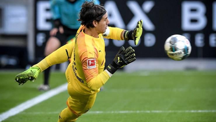 In bestechender Form: Mönchengladbachs Yann Sommer wehrt gegen Bremen einen Penalty ab (Bild: key).