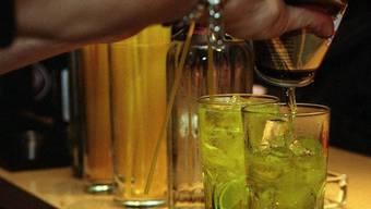 Drinks dürfen in Clubs nicht billiger abgegeben werden (Archiv)
