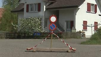 Thumb for 'Nachbarschaftsstreit: Anwohner verbietet die Durchfahrt'