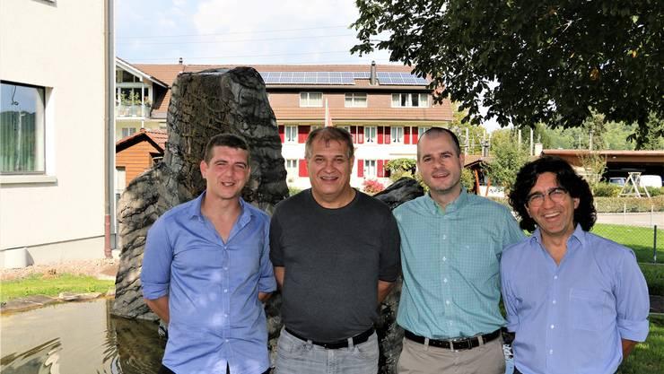 Das Eiker Gremium freut sich auf die kommenden vier Jahre: Christoph Aebi, Stefan Grunder (Ammann), Markus Zwahlen (Vizeammann), Ingo Anders (v. l.).