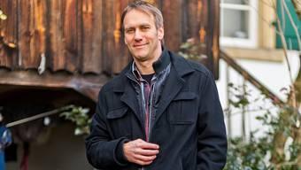 Andreas Thommen vor seinem Heim in Effingen.