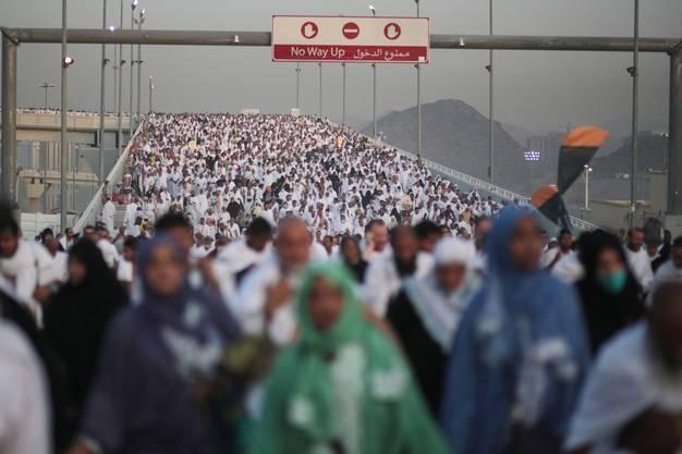 """Das Ritual nennt sich """"Jamarat"""" und ist das letzte Ritual am ersten Tag des Opferfestes Eid al-Adha."""