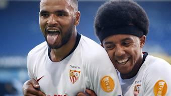 Jubel beim FC Sevilla in Duisburg: Youssef En Nesyri (links) und Jules Koundé