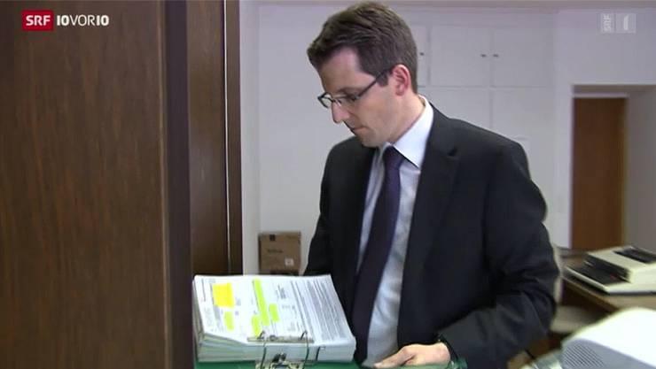 Finanzverwalter Reto Notter erklärt in «10 vor 10», wie er gegen Steuersünder vorgeht.