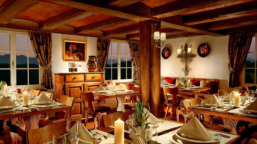 Neue Preise ab 2018: Gruppenreisende müssen im Restaurant Taverne auf dem Bürgenstock tiefer in die Tasche greifen.