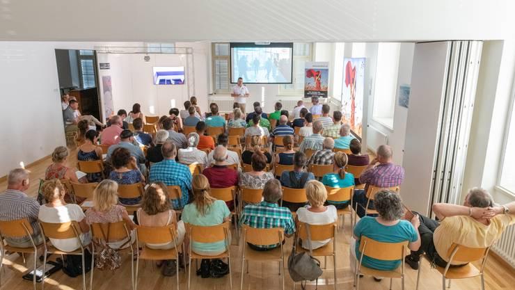 Rund 60 Interessierte erschienen zum Infoabend der erzpo2020 in Erlinsbach.