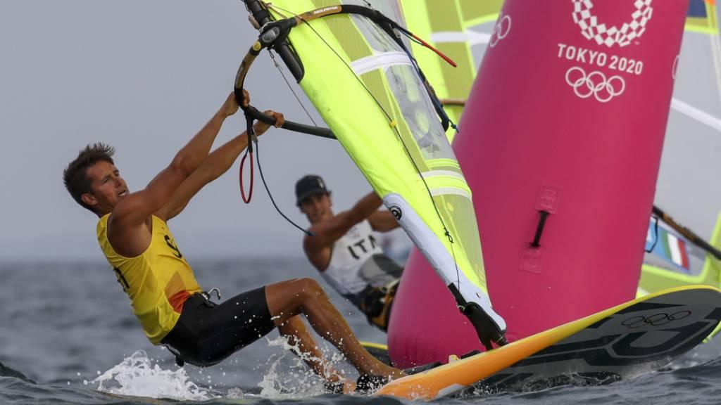 Windsurfer Mateo Sanz Lanz ist gut in die olympische Segelregatta gestartet
