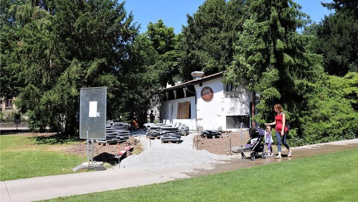 Vorfreude: Noch ist das neue Bistro im Kurpark nicht fertig, aber schon bald kann man hier einkehren.