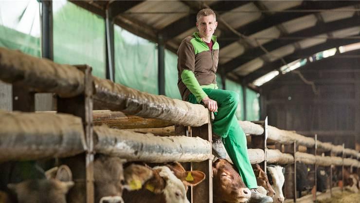 Tobias Steffen betreibt in Bütikofen BE einen Rindermastbetrieb der intensiven Art. Sein Hof steht gleich aus mehreren Gründen unter Druck.