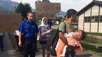 Flüchtlinge reisen in die Schweiz