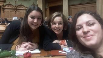 Marti (l.) mit den Fraktionskolleginnen Mattea Meyer und Ada Marra.