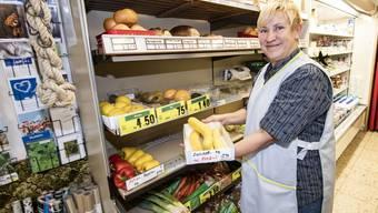 Jeannette Schlumpf beim Offenverkauf.