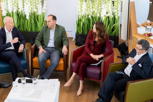 Marc Walder, CEO Ringier, Pietro Supino, Verleger Tamedia, und Felix Graf, CEO der NZZ-Mediengruppe, bei einer Diskussion mit Susanne Wille im Herbst 2018. Da war die Medienwelt noch in Ordnung. Das Coronavirus lässt nun die Werbeeinnahmen einbrechen.
