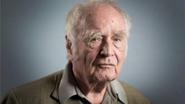 Der deutsch Star-Autor verteidigt die Schweiz. Foto: Heike Grasser