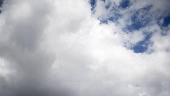 Dunkle Wolken über der Volkspartei: Die SPD hat historische tiefe Umfragewerte. Doch die Zahl der Parteimitglieder wuchs drastisch im Vorfeld der Abstimmung über einen Einstieg in eine grosse Koalition. (Themenbild)