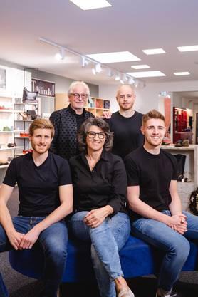 """Vater Ernst """"Aschi"""" Emch mit Fabian, Samuel, Kathrin und Nico."""