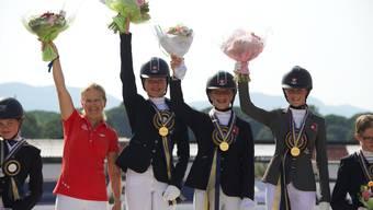 von links: Heidi Bemelmans, Meilin Ngovan, Annina Lüthi, Jorina Miehling.