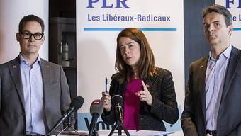 Die FDP bezieht Stellung: Fraktions-Vize Hugues Hiltpold, Parteipräsidentin Petra Goessi und Fraktionspräsident Beat Walti (vlnr) sagen Ja zum Rahmenabkommen mit der EU.