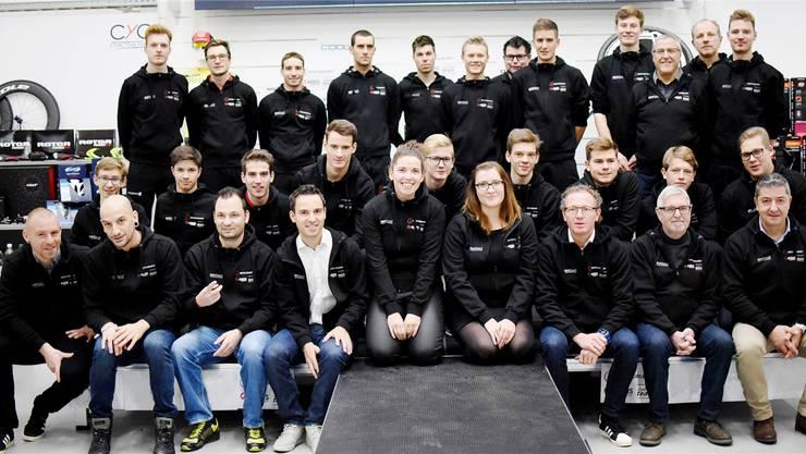 Das gesamte Roth-Akros-Team Gerlafingen.
