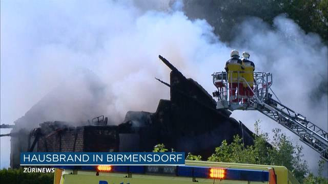 Einfamilienhaus brennt komplett ab