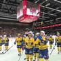 Die Davoser Spieler freuen sich nach dem 7:1-Kantersieg in Lausanne