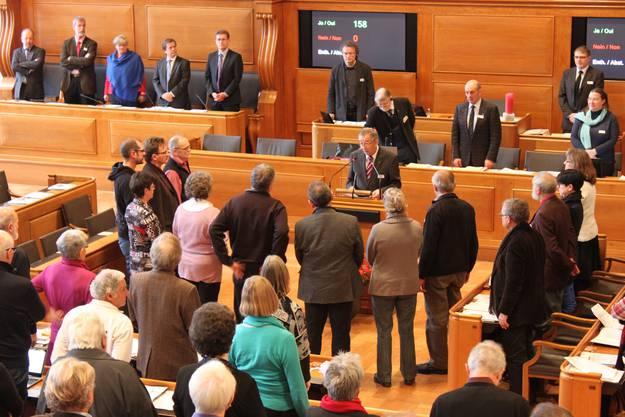 Gerber vereidigt neun neue Synodemitglieder, ganz links der Solothurner Markus M