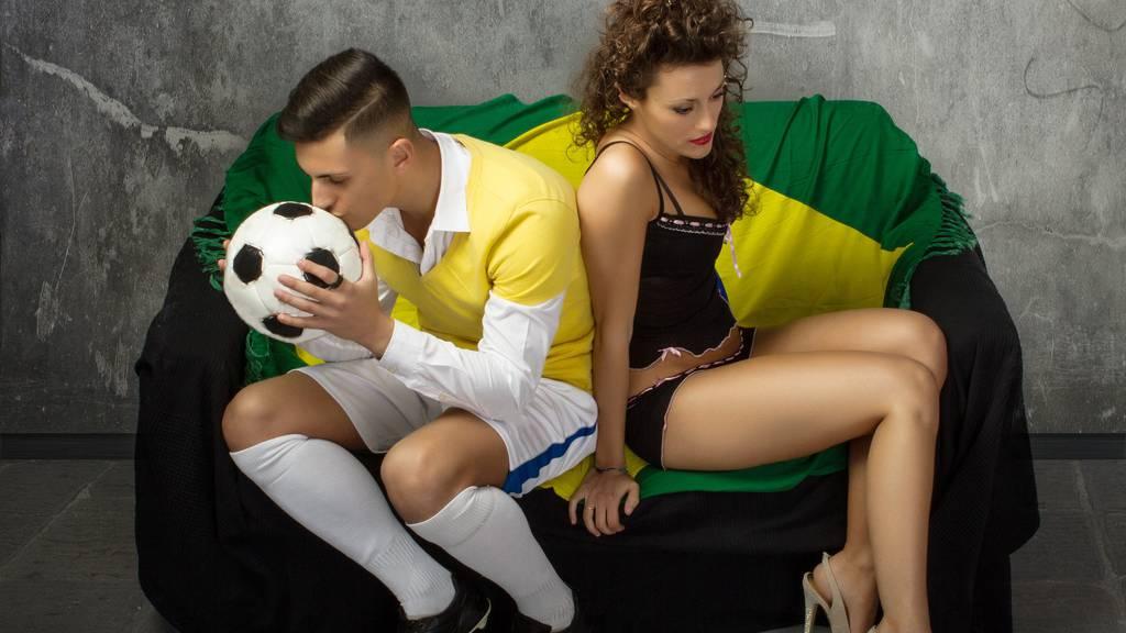 Die Statistik zeigt: Fussball interessiert mehr als Schmuddelfilmchen.