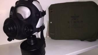 Melden sich die Besitzer nicht, werden die Gegenstände auf Fundsachenverkauf.ch angeboten, wie zum Beispiel diese Original Schutzmaske aus Südkorea für 295 Franken.