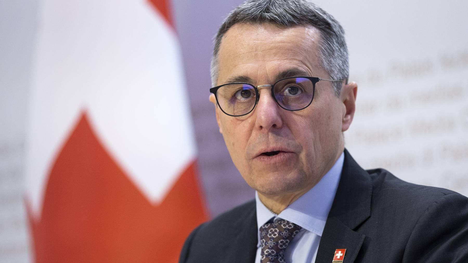 Aussenminister Ignazio Cassis erläutert am Freitag in Bern die neuen Sponsoringregeln und die künftigen Ziele der Landeskommunikation.