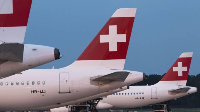 Flugzeuge der Swiss am Flughafen Kloten