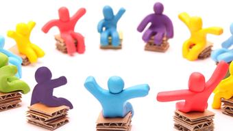 Selbsthilfegruppen können Erwachsenen mit ADHS dabei helfen, sich im Alltag zurecht zu finden (Symbolbild)