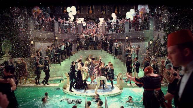 Dekadenz im Stil der 1920er-Jahre. Filmstill aus der Verfilmung des Romans «The Great Gatsby» 2013. Foto: WARNER BROS