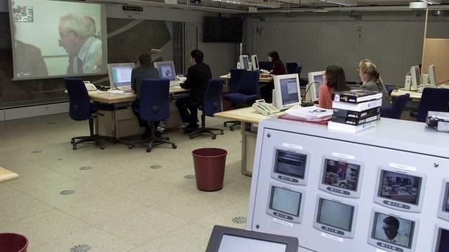Die Nationale Alarmzentrale beobachtet die Route des abstürzenden Satelliten (Archiv)
