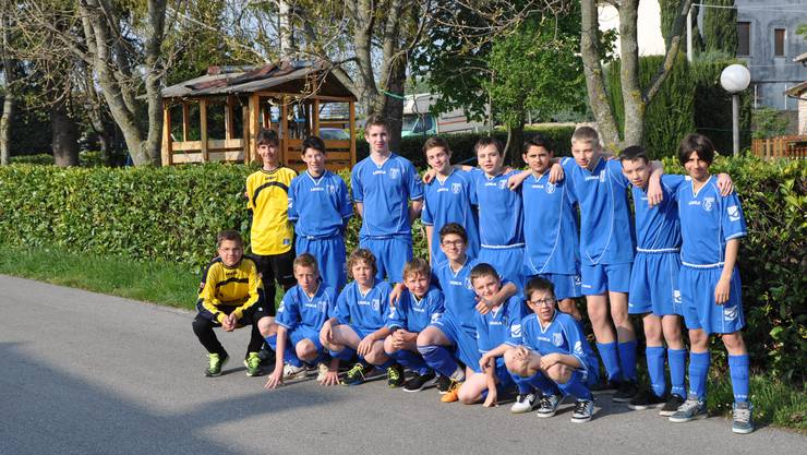 Mannschaftsfoto vor dem Spiel gegen den SV Schlossberg (D)