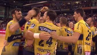 Andy Schmid packt beim Sieg seiner Rhein-Neckar-Löwen gegen Flensburg den Hammer aus.