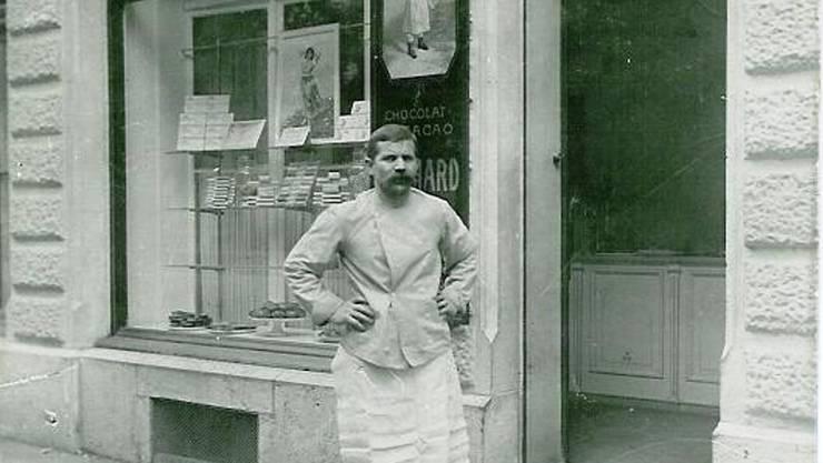 Fototermin zehn Jahre nach der Eröffnung der Bäckerei von Arx an der Hauptbahnhofstrasse 4