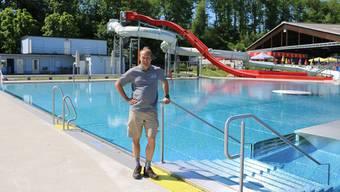 Macht das Kuba-Strandbad startklar: Betriebsleiter Willy Vogt. Dennis Kalt