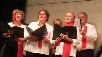 Der Gemischte Chor Dättwil wusste in der Aula Höchi zu überzeugen.