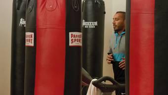 Beqiri beim Training in seinem Sportcenter.