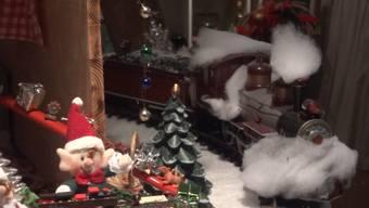 Per Knopfdruck setzt sich der Weihnachtszug in Bewegung