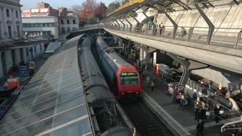 Der Architekt des Bahnhof Stadelhofen Santiago Calatrava zieht seine Beschwerde gegen dessen bevorstehenden Ausbau zurück. (Archivbild)