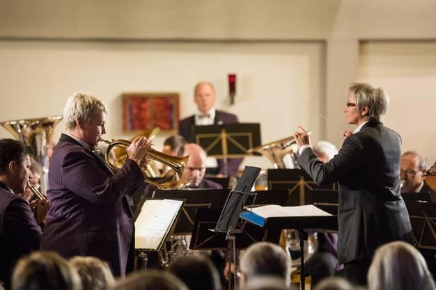 Das Solo auf dem Flügelhorn spielt Gabi Gunziger-Niggli zum Stück Adagio from Concerto Aranjuez von Joaquin Rodriguo arr. Kevin Bolton.