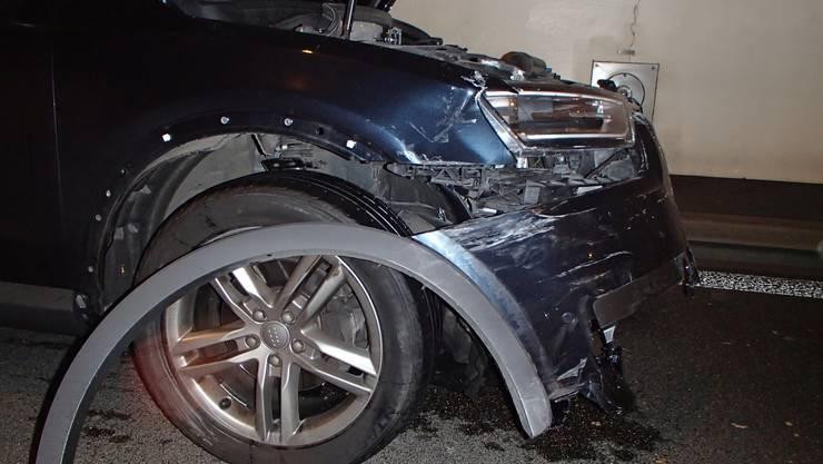 Bei einem Verkehrsunfall im Baregg-Tunnel wurden am Montagabend vier Personen verletzt.