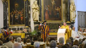 Badens Stadtpfarrer Josef Stübi bei der Fronleichnam-Messe im vergangenen Juni: Er wird auch Pfarrer des künftigen Pastoralraums Aargauer Limmattal sein.