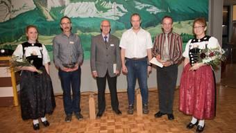 Flankiert von den Ehrendamen: Heinz Arnold (verdientes Mitglied), Kurt Kehl, Markus Reinhart und Andreas Bringold (verdientes Mitglied).