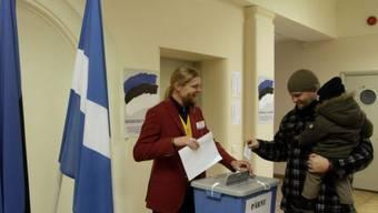 Die Mehrheit der Esten gibt ihre Stimme der Reformpartei