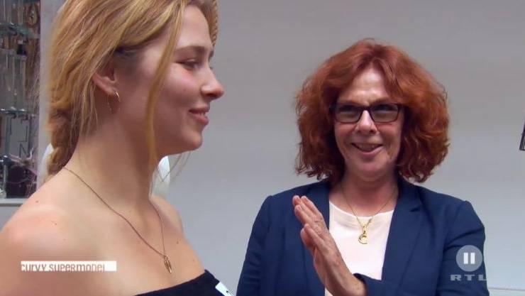 Mutter Corinne begleitet Vera Havrda zum Casting von «Curvy Supermodel»