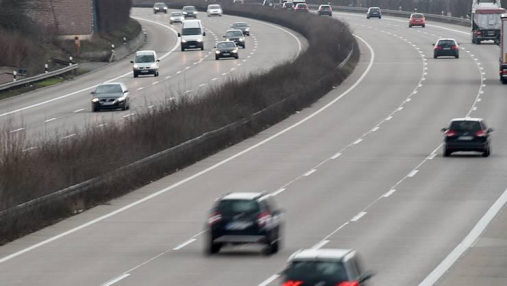 Bald werden auf den Strassen auch selbstfahrende Autos fahren. Die Frage sei nur wann, meint eine Studie.