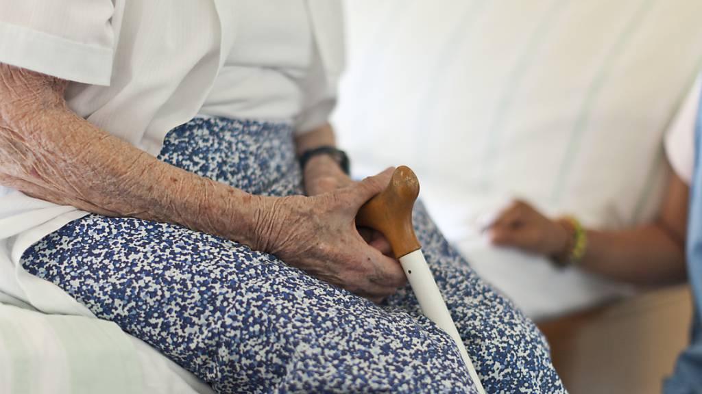 Bis 500'000 Ältere in der Schweiz sind Misshandlungen ausgesetzt