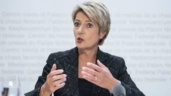 Ob auch der Bundesrat ab dem 3. Juni Personen aus Italien wieder uneingeschränkt einreisen lässt, ist offen. Die Eidgenossenschaft werde dies eigenständig entscheiden, sagt Bundesrätin Karin Keller-Sutter.